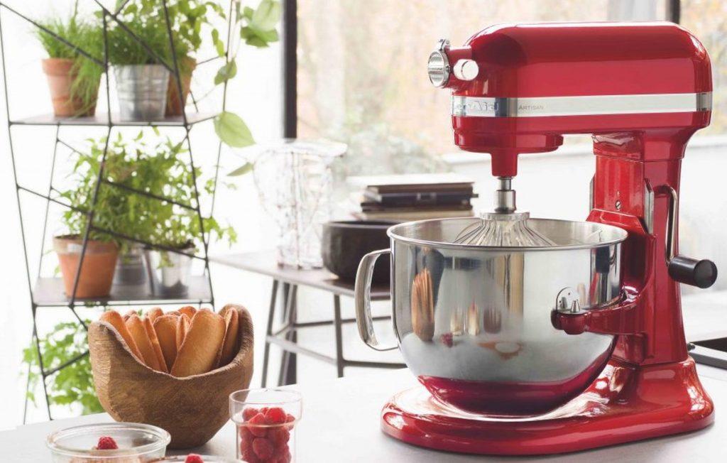 Vous hésitez entre acheter un robot pâtissier ou un robot multifonction ?
